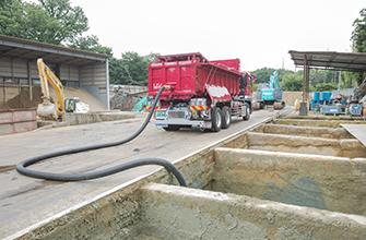 汚泥運搬車 イメージ写真